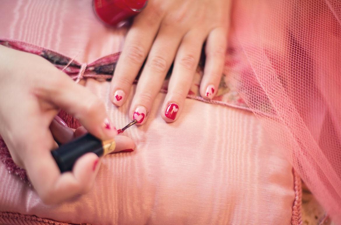 Fornetti per le unghie, comodi o scomodi? Come usare un fornetto per unghie